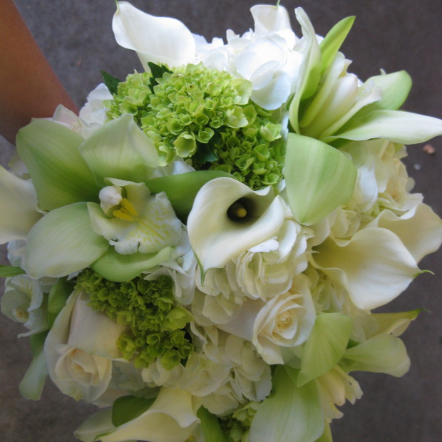 green-and-white-calla-lily-and-orchid-bouquet